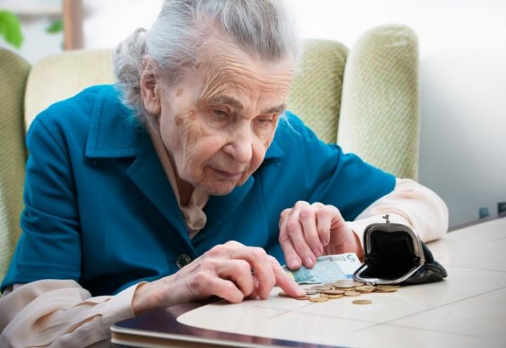 Koszty wdrożenia ustawy zwalniającej emerytury z podatku to około 17 mld zł