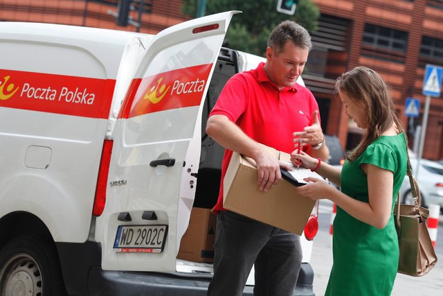4e9b2044414c89 Zdjęcie: Przesyłkę Poczty Polskiej odbierzesz w kiosku RUCH - galeria - Usługi  kurierskie - Logistyka - Infor.pl